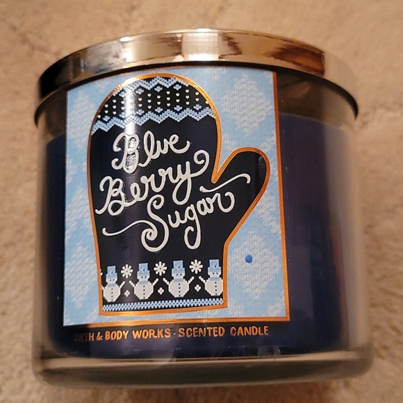 Nwt 3 wick blueberry sugar candle